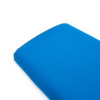 Tela popelín liso suave en color azul eléctrico