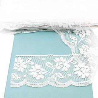 Puntilla de nylon blanca con encaje de flores y anchura 58 milímetros