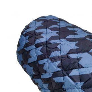 Tela acolchada con estampado de pata de gallo en color azul