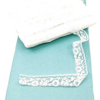 Puntilla de nylon blanca con encaje de flores y anchura 18 milímetros