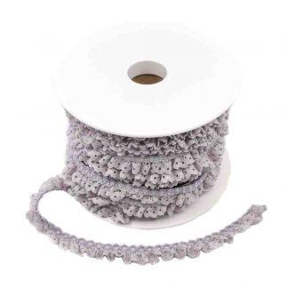 Puntilla de encaje plisado en color gris perla de ancho 15 milímetros