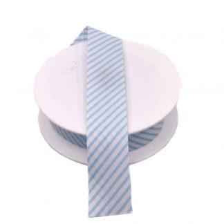 Cinta al biés de piqué con estampado de rayas en color azul celeste de 30 milímetros de ancho