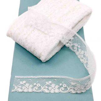 Puntilla Valencienne 100% algodón en color blanco de ancho 26 milímetros