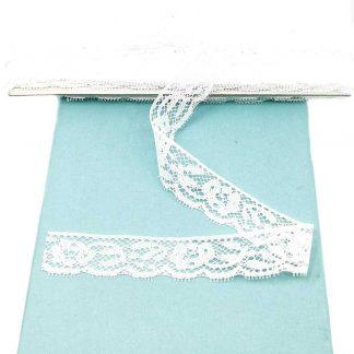 Puntilla de nylon blanca con encaje de flores y anchura 22 milímetros