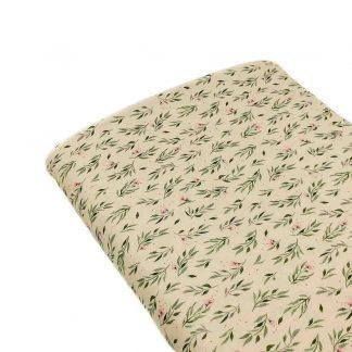Tela viyela de algodón orgánico GOTS con estampado digital de flores en colores rosa y verde sobre fondo color vainilla