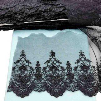 Puntilla de tul bordado negro de 10 centímetros de ancho con bordado de flores y terminación en puntas