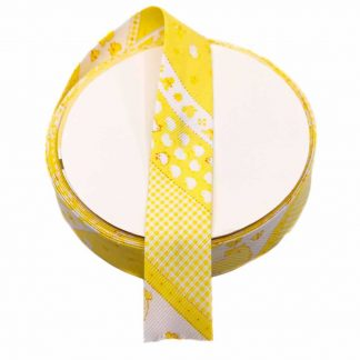 Cinta al biés de piqué con estampado de pollitos en color amarillo de 30 milímetros de ancho