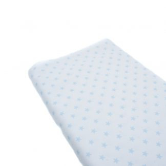 Tela de piqué de canutillo con estampado de estrellas azules bebe sobre fondo blanco