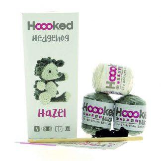 kit amigurumi de la marca Hoooked para tejer al erizo Hazel